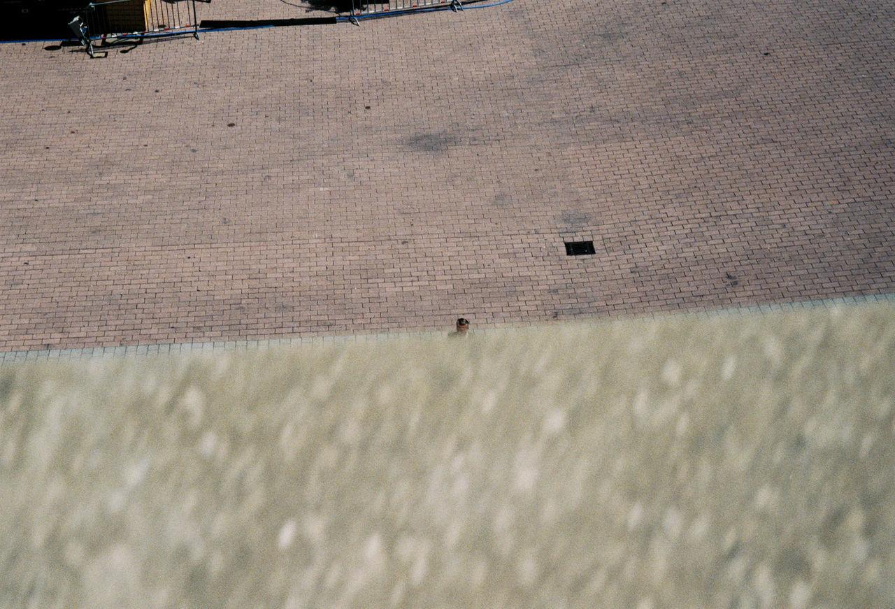 #Dailylife #Frankfurt #Goodmorning  #WorkFlow #busy #composition #disappear #filmphotograph #filmphotography #hansche #hanscheko #hi #hiding #ishootfilm #money #outside #shootfilm #worklife Architecture Built Structure Day Outdoors
