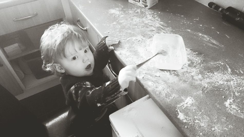 Baking mince pies! Christmastime Baking Messybaby
