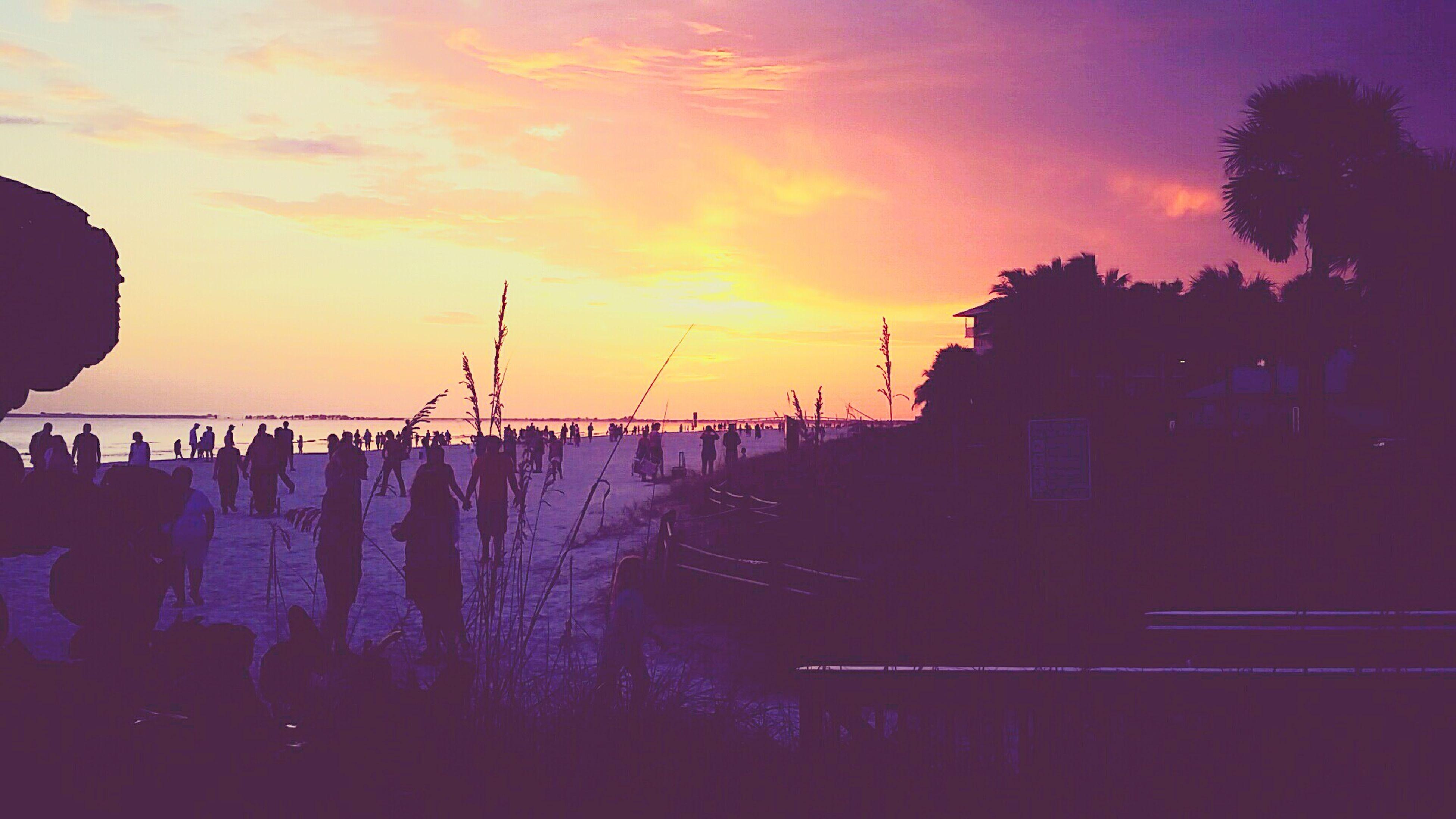florida sunsets | lightin' up the sky Sunsets Summertime Floridashine Beach Fortmyersbeach
