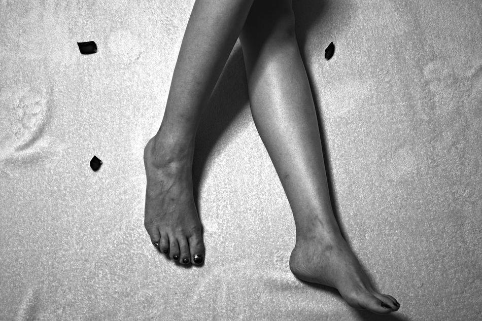 Beautiful stock photos of legs, Bed, Human Leg, Indoors, Leisure Activity