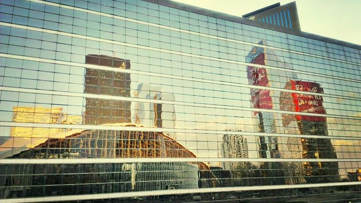 Sightseeing at Parvis de la Défense by Habib NANA