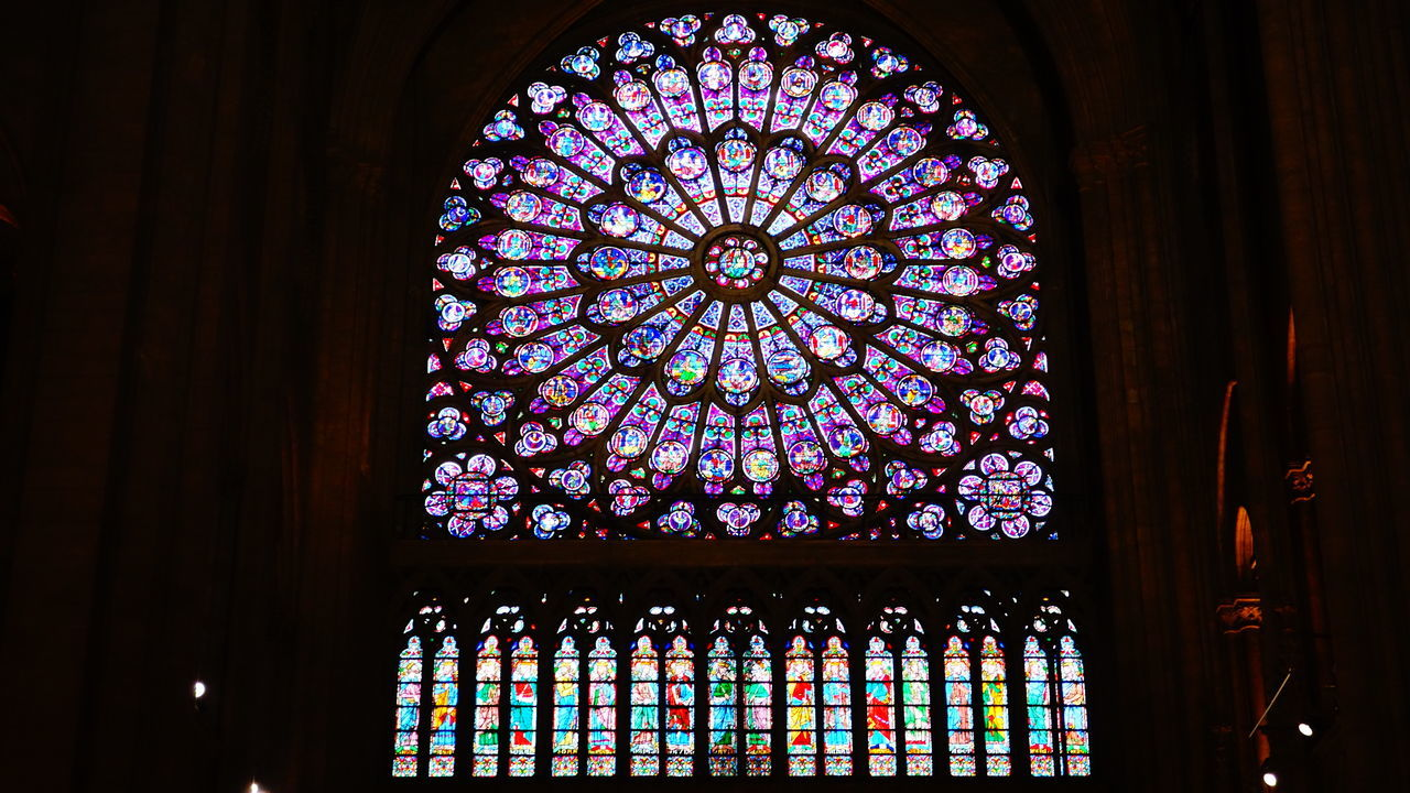 Architectural Detail Architectural Feature Architecture Architecture_collection Beautiful Church Church Architecture Churches Exploring Exploring New Ground Eye4photography  French House Of God Indoors  Photography Place Of Worship Religion Rose Window Spirituality Stained Glass Taking Photos Taking Pictures Travel Destinations Traveling Window