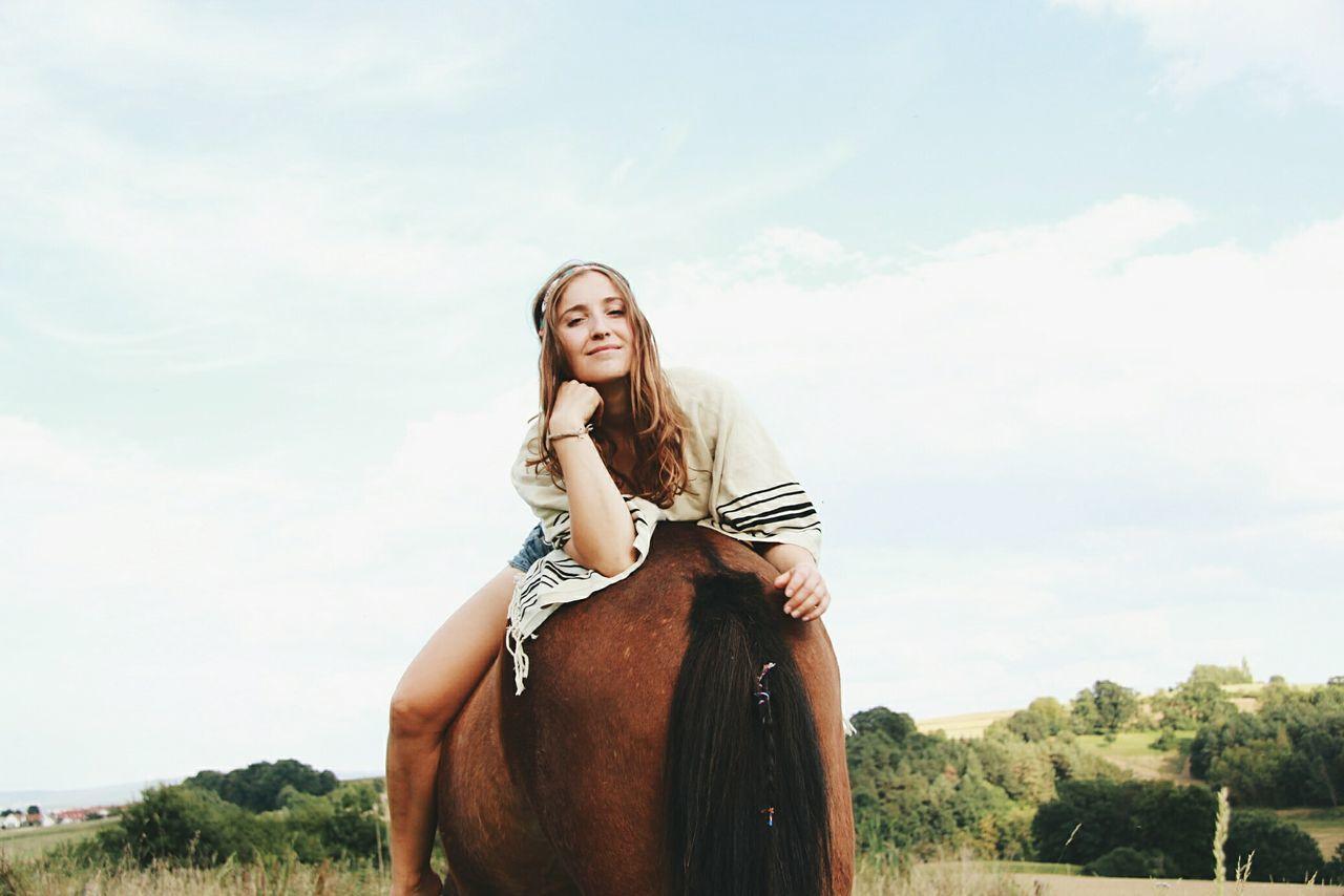 Beautiful stock photos of pferde, 20-24 Years, Fun, Young Women, animal Body Part