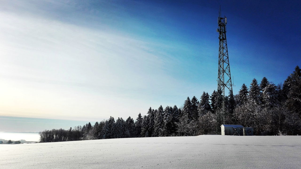Cold Temperature Huaweip8 Lite HuaweiP8Lite Snow Winter Winter 2016 EyeEm Gallery Winter_collection Winter Sky Winter 2017 Winterwonderland Wintertime Frozen Frozen Nature Winter Wonderland Beautiful Day Tower Outdoors Winter Morning Transmission Tower Transmitter Tower Transmitter Snow Trees Snow ❄