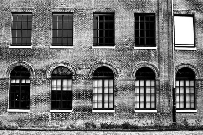 Bnw_friday_eyeemchallenge Architecture Black And White Bw_collection Fortheloveofblackandwhite Monochrome Blackandwhite