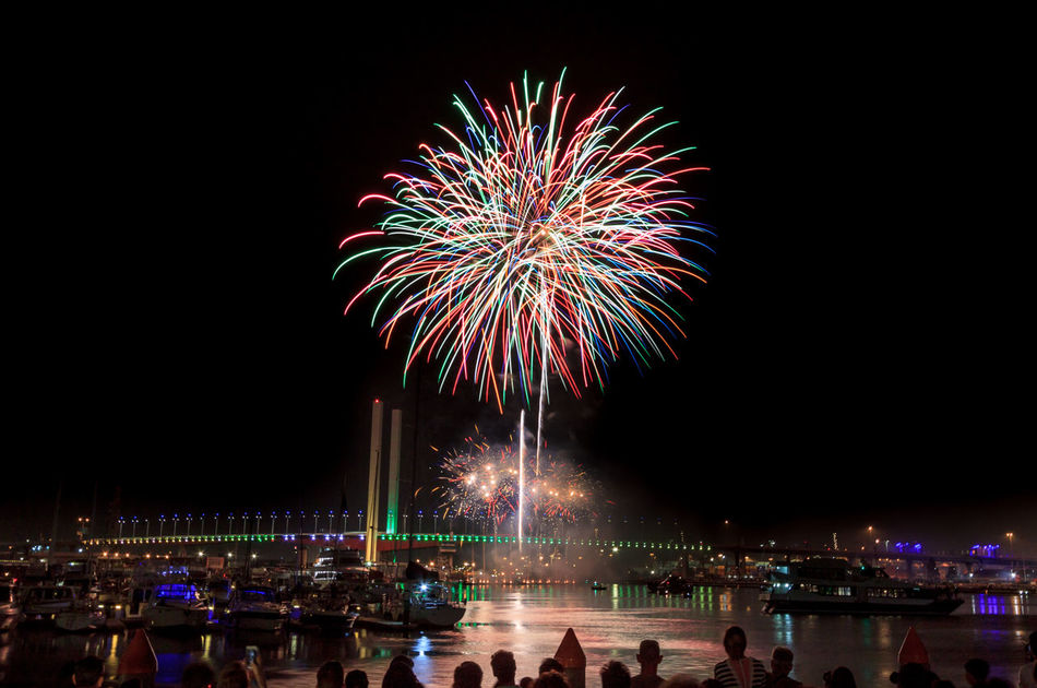 Beautiful stock photos of feuerwerk, Australia, Celebration, Clear Sky, Colorful