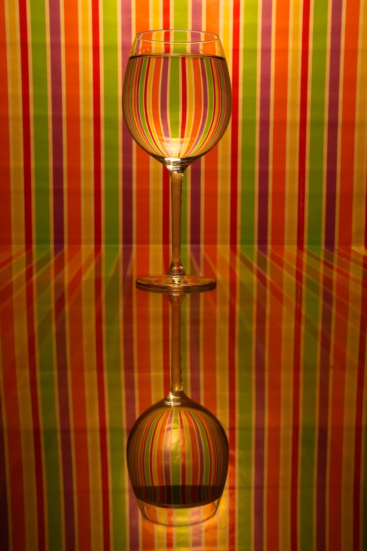 Glass Wineglass Weinglas Reflection Colors Light And Shadow Art Open Edit Getting Creative Learn & Shoot: Leading Lines