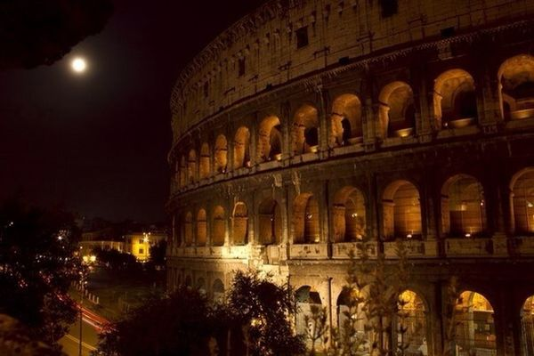 Traveling at Rome by Alex Toi