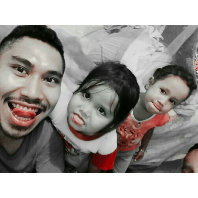 Hi! Enjoying Life Check This Out Taking Photos Withkiddos Funny Face Tounge Out  Relaxing Wierdos Family❤
