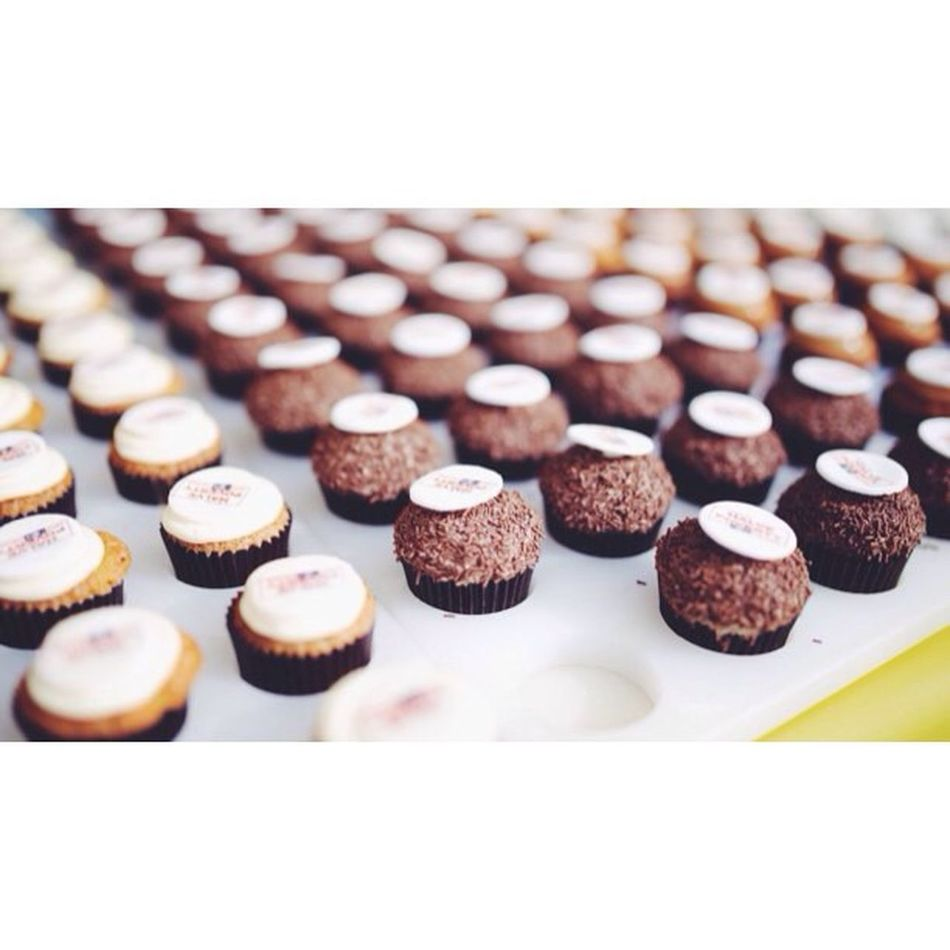 Miniature cupcakes sending a big message Halvepovertyby2015 Endpoverty // Vscocam
