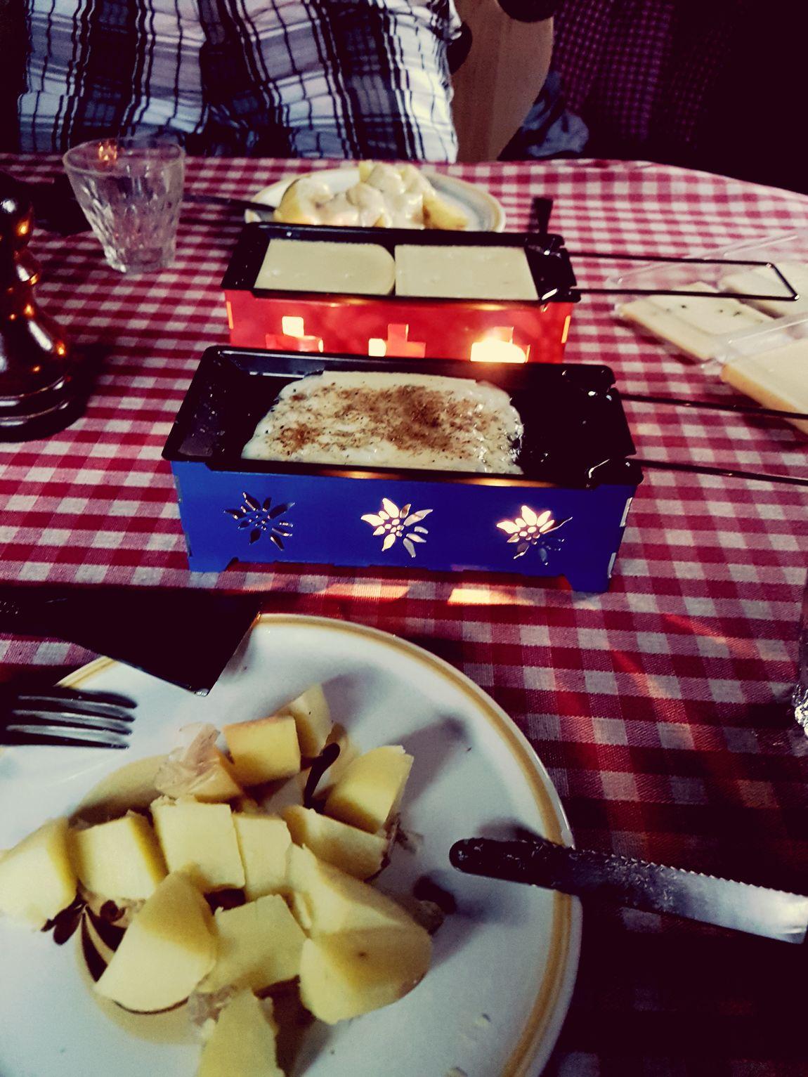 Maiensäss Hüttenzauber Bergwelt Raclette Rustic Charm Summer Foodpics Graubünden Zuhauseistwodasherzist