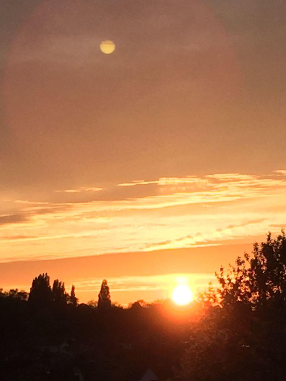 Enjoying the sunset this evening 😄 Enjoying Life