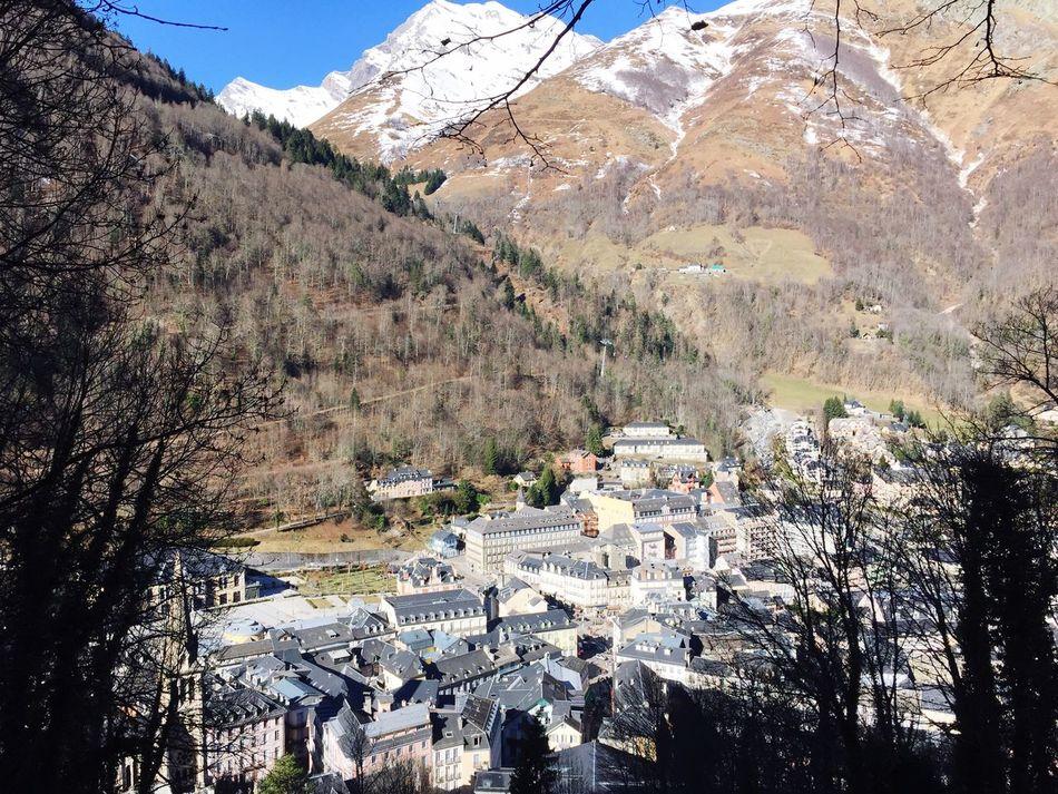 Cauterets Montagne Village Neige Paysage Soleil Foret Pyrénnées Vacances France