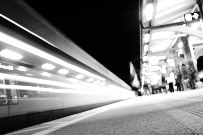 Nightphotography Vanishing Point Darkness And Light Bw_collection Blackandwhite Streetphoto_bw