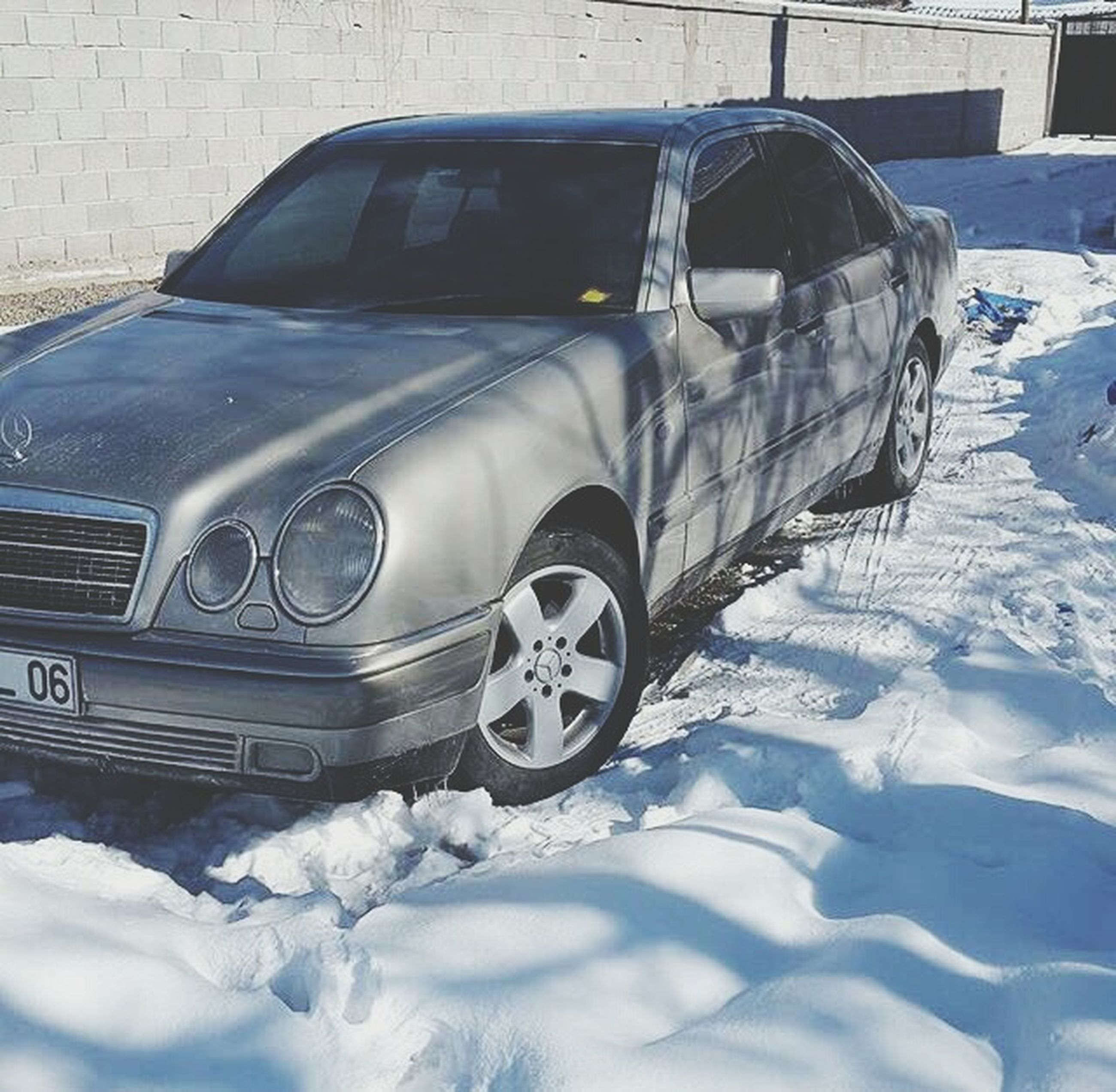 car, snow, winter, land vehicle, mode of transport, transportation, cold temperature, stationary, no people, outdoors, day, close-up