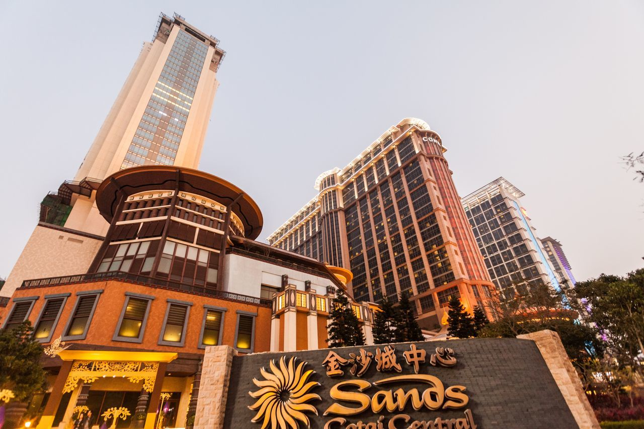Sands Cotai Central is a casino resort on the Cotai Strip, including the world's largest Holiday Inn, Conrad, and Sheraton Architecture Casino Casino Night City Cityscape Conrad Cotai Cotai Strip CotaiStripMacau Entertainment Fame Holiday Inn Illuminated Macao  Macao China Macau Macau, China No People Outdoors Sands Sheraton Sky Skyscraper Travel Destinations Urban Skyline