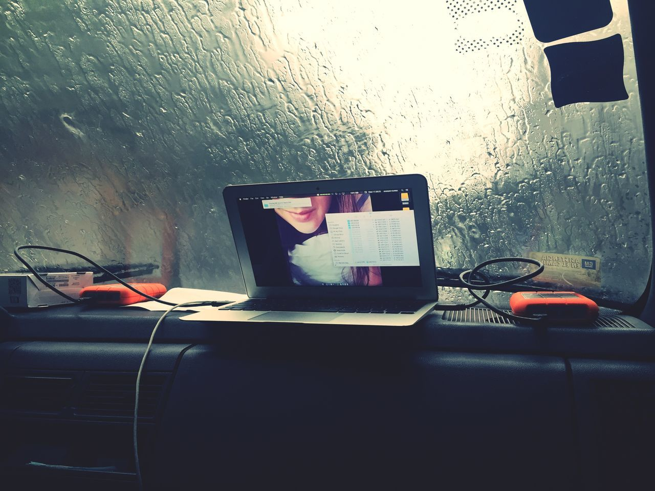 Rain Dias De Lluvia Data Manager Mac Book Air Lacie Working