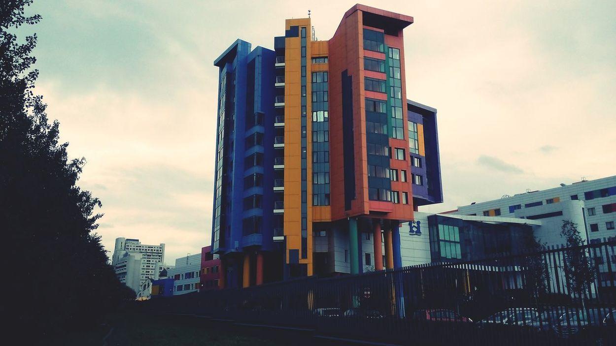 Радостный дом Architecture