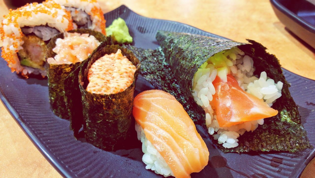 Sushi Sushilover Sushi Rolls Sushitime Sushi Lover Japanese Food Japanese Restaurant Japanese Style Food Seafood Fish Ready-to-eat Close-up Salmon - Seafood Healthy Eating Yummy Food Yum Food Yummyfood Food Photography Yunmy Foodphotography Seafoods