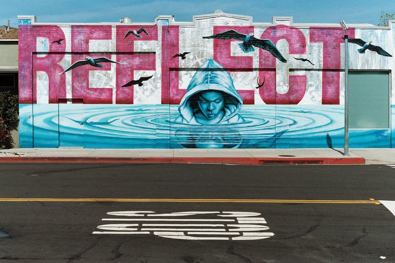 Art Is Everywhere STOP and REFLECT on the world around you. Pull your eyes up from the screens and observe your surroundings, there is beauty everywhere. Graffiti Day Outdoors No People Streetart Streetart/graffiti ArtWork California City City Life Travel California Love Wallpaper