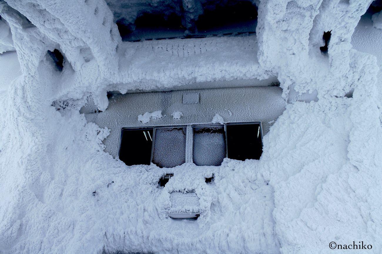 八甲田 Snowboarding Snow 山頂ロープウェイ。冷凍庫の中のよう