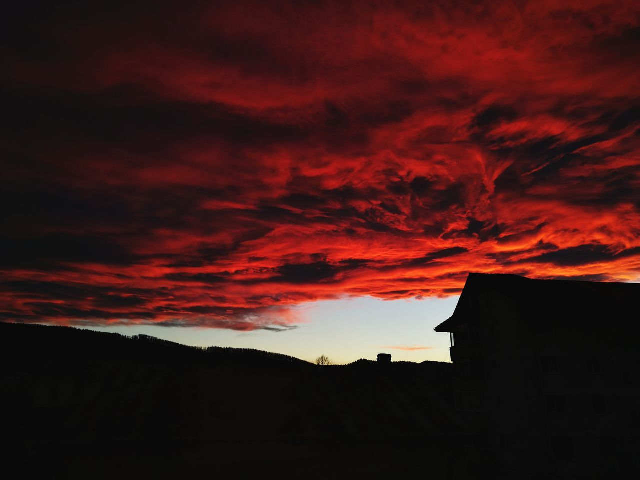 First Eyeem Photo Landscape Redness Setting Sun Cluds Rosy Sky Red Shadow Block Black Faded Sunset No People Out The Window  Red Clouds Darkness Dark Sky