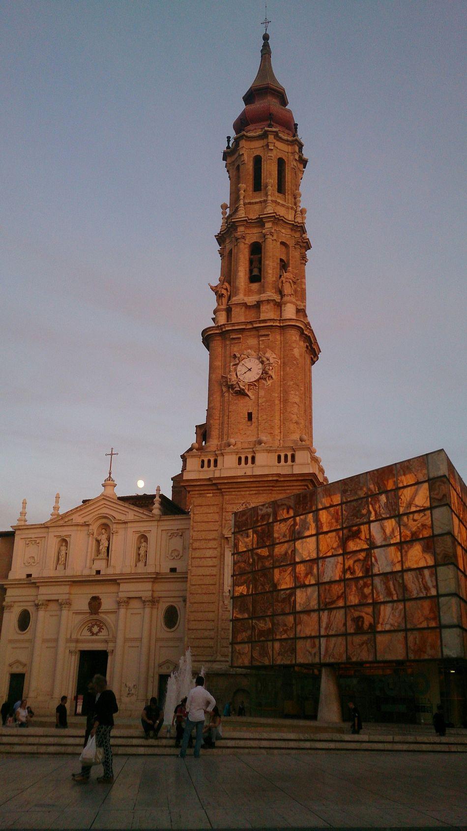 La Seo y el Foro Romano en la Plaza Del Pilar