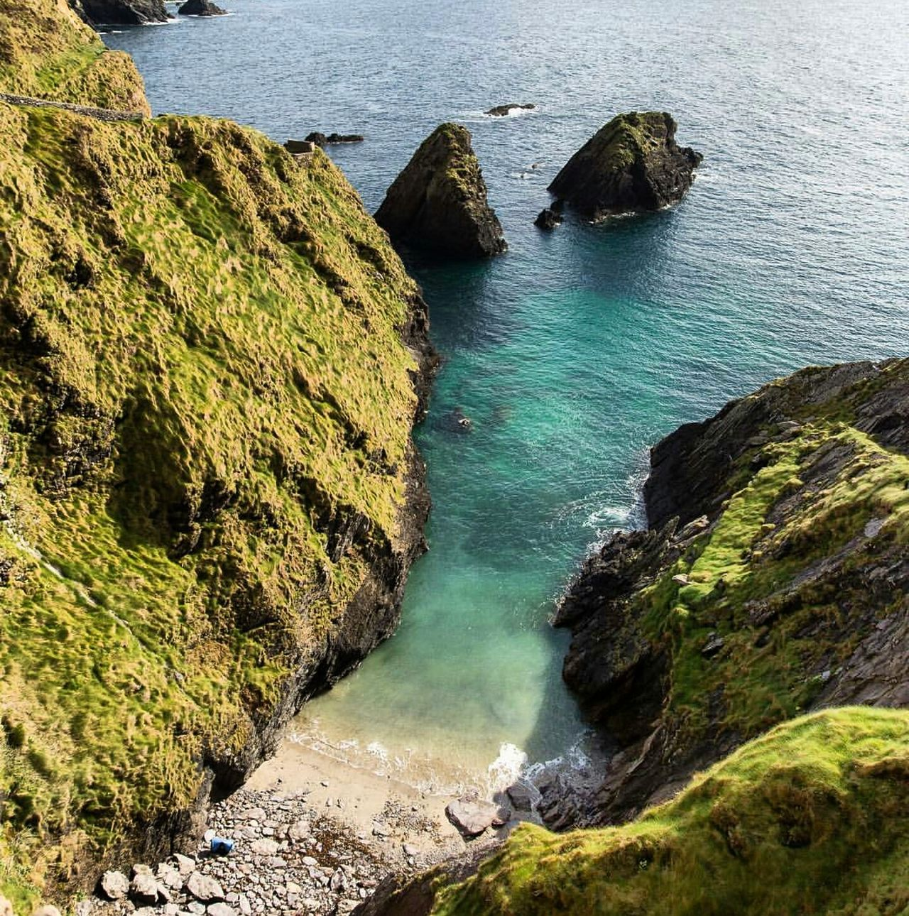 Another stunning photo from dun chaoin, dingle Water Outdoors Sea Beauty In Nature Nature Dingle Peninsula Dingle Landscape Photo Nature Photography Stunning Ireland Ireland Lovers Ireland Coast Ireland Landscapes Ireland🍀 Nature Water High Angle View Beauty In Nature Sunlight Sea Rock - Object Outdoors Scenics