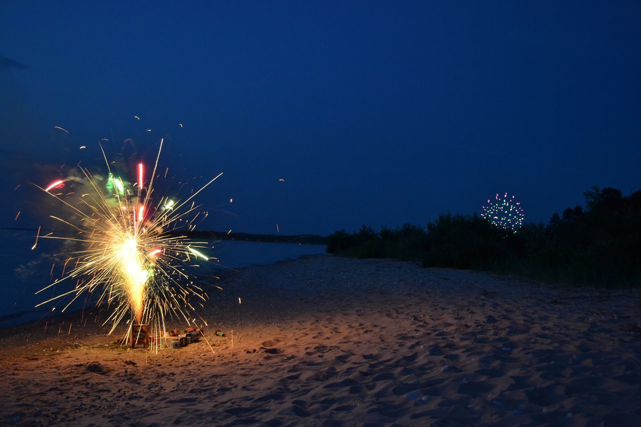 Exploding Firework Fireworks Fourth Of July Fourth Of July 🎉 Glowing Illuminated Night No People Non-urban Scene Outdoors Travel Destinations