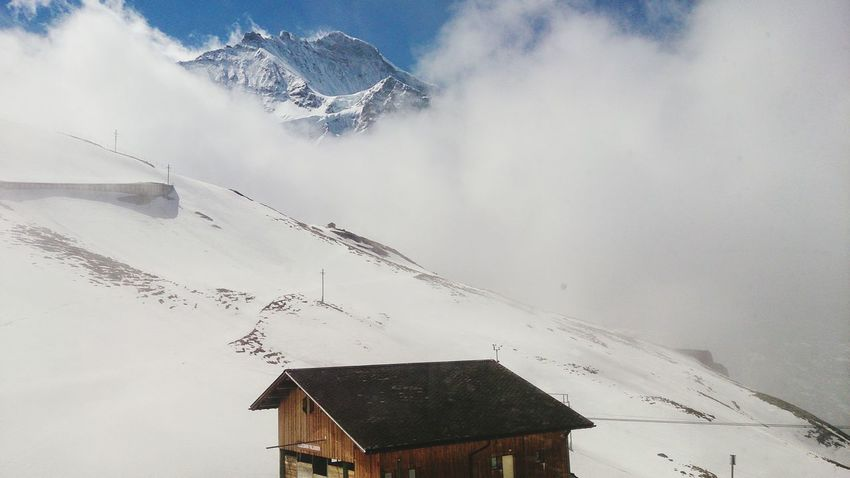Switzerland vacation peace snow Mountain Range Outdoors Nature Beauty In Nature Scenics Tranquility No People House Mountain Rocky Mountains Snowcapped Snow❄⛄ Snow Mountains Remote Location Mountainhouse Architecture Built Structure Building Exterior House Mountain Day Outdoors No People Nature Mountain Range