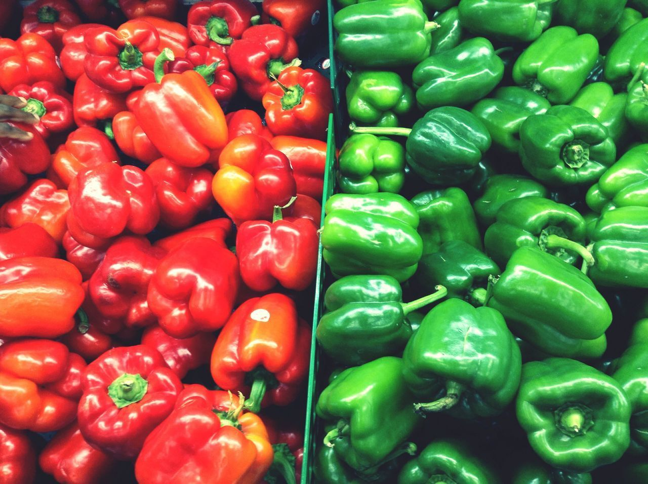 Bells🌶 Freshness Food And Drink Healthy Eating Bell Pepper Food Full Frame Retail  Market Abundance Backgrounds For Sale Red Red Bell Pepper Large Group Of Objects Green Bell Pepper Choice No People Green Color Close-up