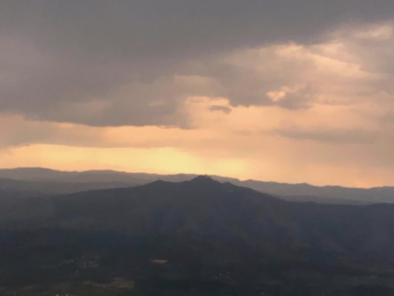 Landscape Mountain From The Plane Window High Shot Narure Sunset Sun Horizon Sunshine Clouds And Sky Family Trip Summer Tadaa Community Tadaa Friends Pink Light Tadaabestshot Tadaa
