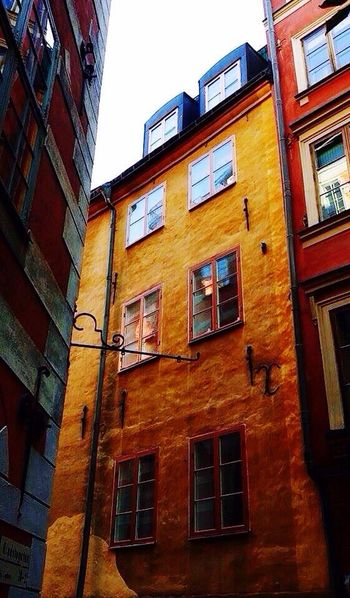 Building Exterior Architecture Window Low Angle View Built Structure Outdoors No People Residential Building Day