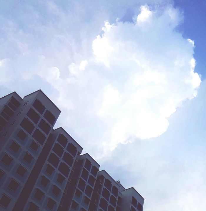 Showcase April Here Belongs To Me 📍 Flats Clouds And Sky Sky Sky And Clouds Cloud Things I Like Blue Sky Here Belongs To Me Blue Wave The Street Photographer - 2016 EyeEm Awards Colour Palette Eyeemphoto Adapted To The City