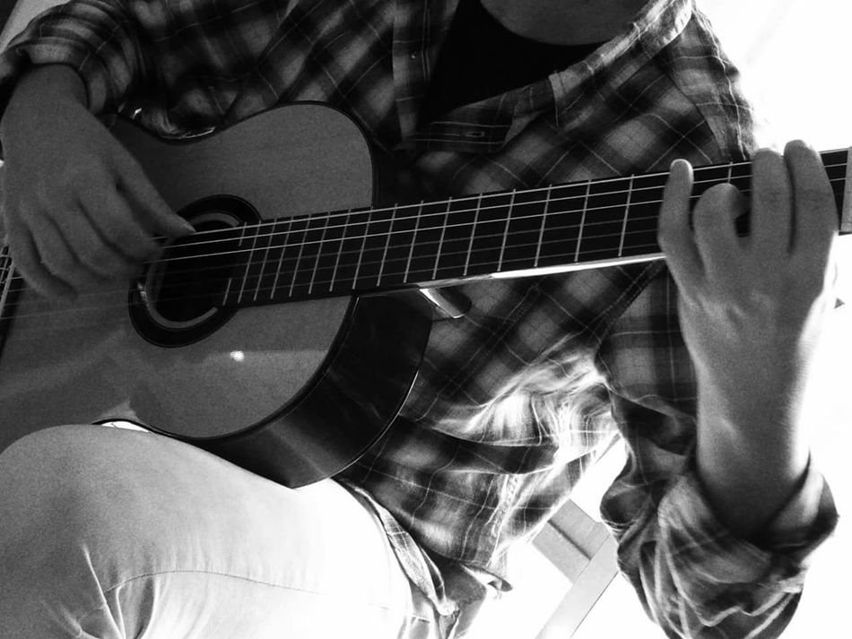 Playing The Guitar Guitar Guitarist Guitars Playing Guitar Eyeembestpics Tipycal Openedit From My Point Of View Love , OpenEdit , EyeEm , Friends , EyeEm Best Shots , Eye4photography Photooftheday  OpenEdit Open Edit For Everyone