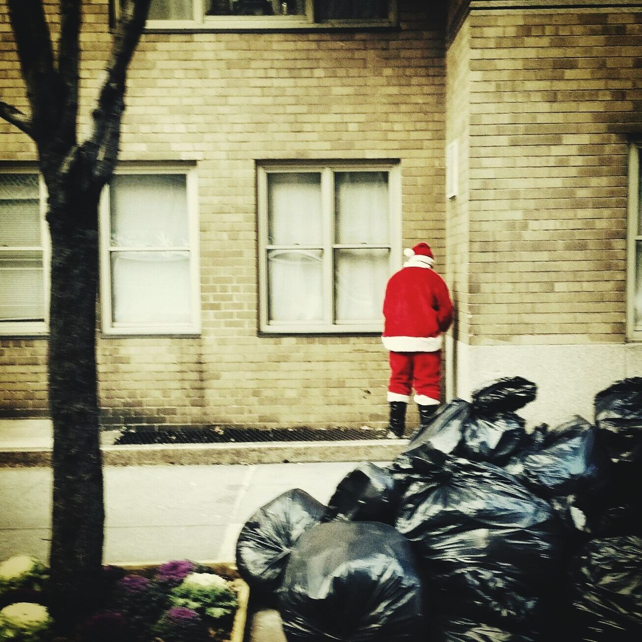 My First Pic On EyeEm Santa Santacon Holidays New York CityPerson Funny Moments NAUGHTY Or NICE  Christmas The Culture Of The Holidays Enjoy The New Normal Day Tourism New York 12daysofeyeem 12 Days Of Eyeem: These Are My Friends Christmas Time Santa Claus Holiday Memories