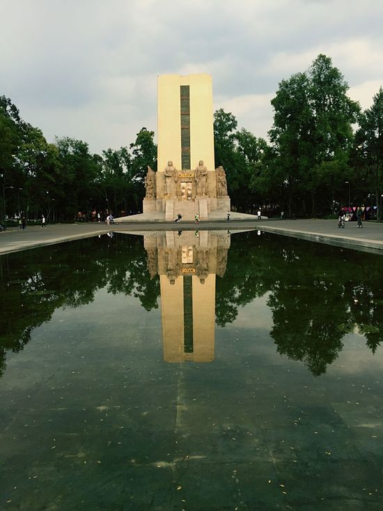 Reflection Reflection Built Structure Tree Sky Architecture Outdoors Water Nature Monument Water Reflections Trees Mexico City Coyoacán Water Surface Monuments Picoftheday City Park The Architect - 2017 EyeEm Awards