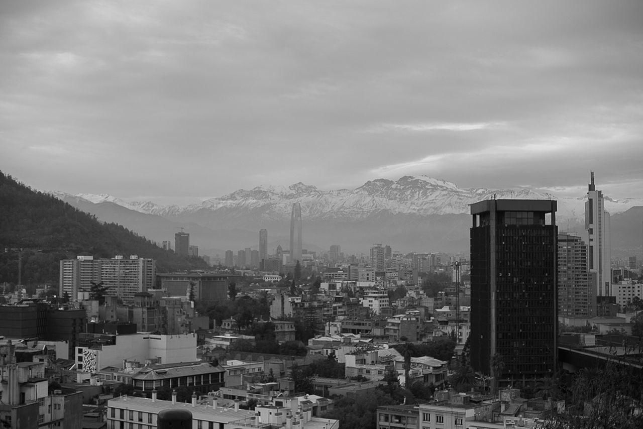 Vista Cerro Santa Lucia. Cordilheira dos Andes. Santiago, CL. Cerrosantalucia Santiago De Chile Andes Andesmountains Beautiful Tourist Trip Tourism Travel Beautiful Nature City