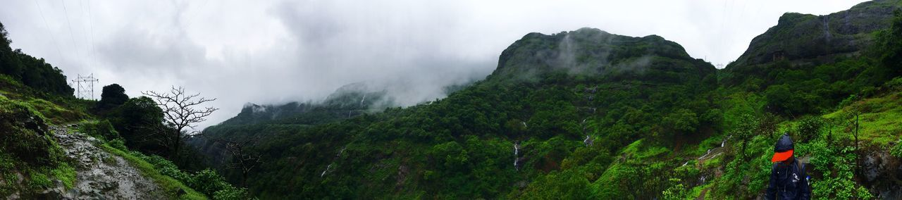 Valley Sky Panorama Green Rainy Days Trekking Time Captured At Andharban IPhone 6s Photography Mountain Range Beauty In Nature Refreshing Enroute Focused Rejuvinating