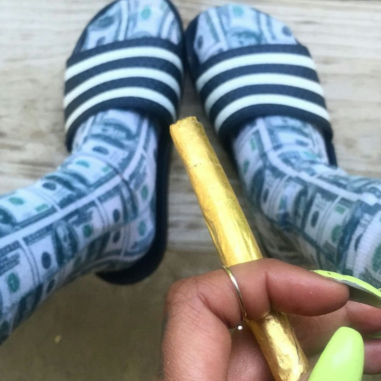 Pattyeffinmayo Slippers Socks Blunt Gold Weed High Life Photography Gorgeous Aesthetics Urban Fashion Urbanstyle Nails Long Nails