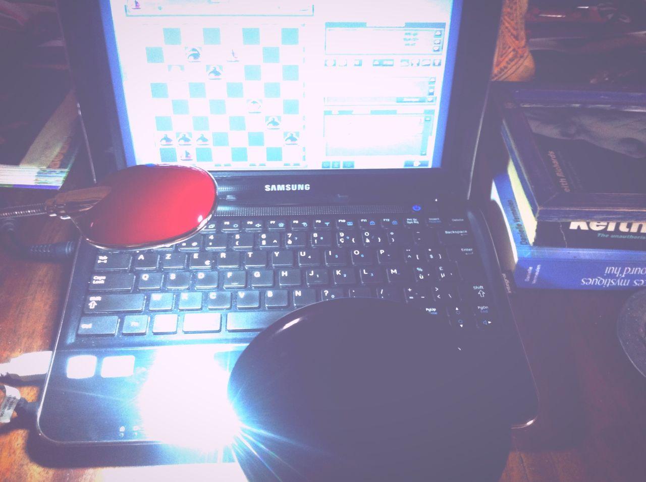 Coffee And Cigarettes My New Toy Venez Me Chercher Have You Seen The Bridge E4 reste plus qu'à trouver un appareil qui va avec le mois prochain ahah Personnal Crack