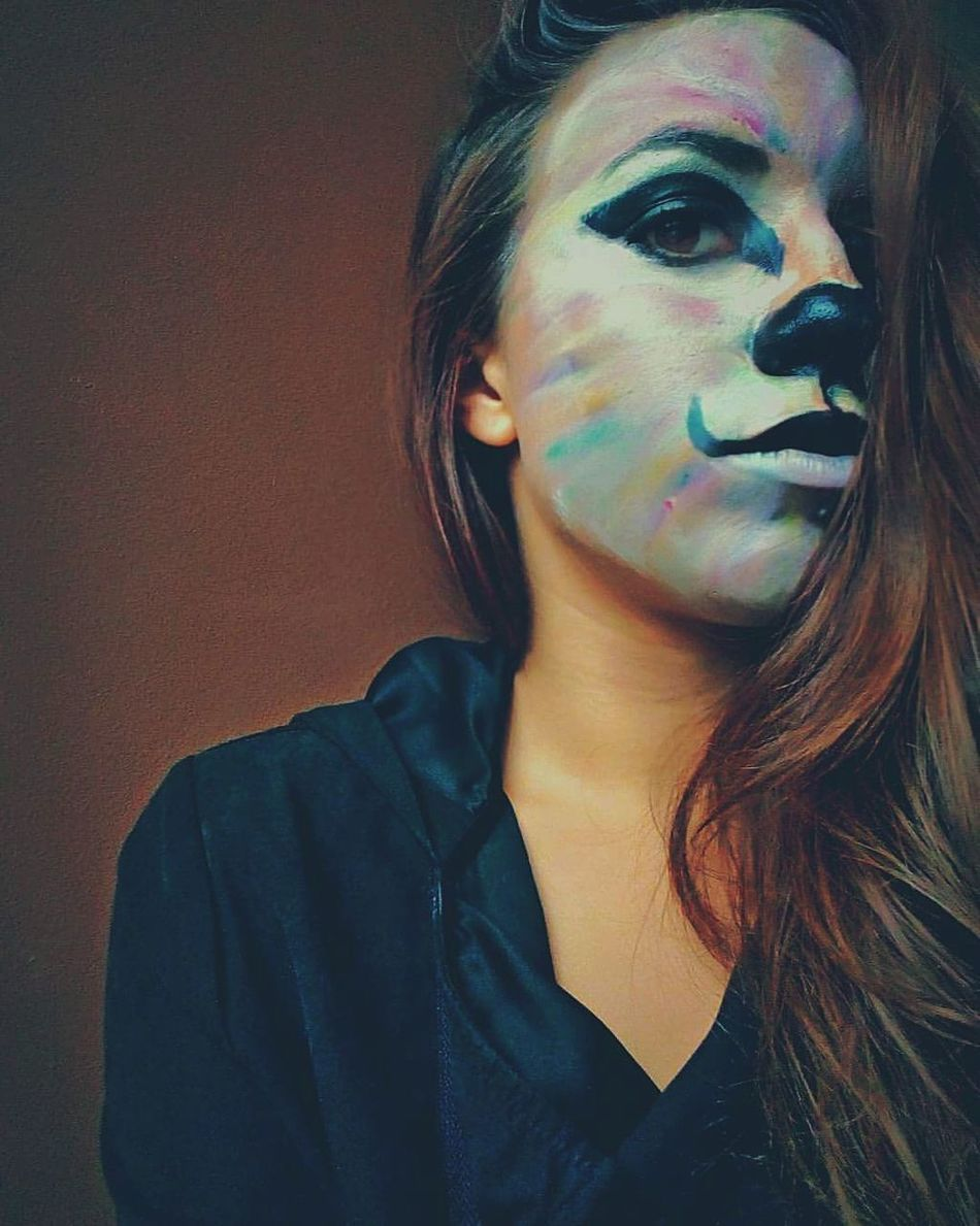 One Woman Only Only Women One Young Woman Only Adults Only Young Adult Face Paint Women Adult Young Women Multi Colored One Person Real People Portrait People Close-up Human Body Part Galantis Nomoney Animals Makeup Fashion Beauty Makeupartist