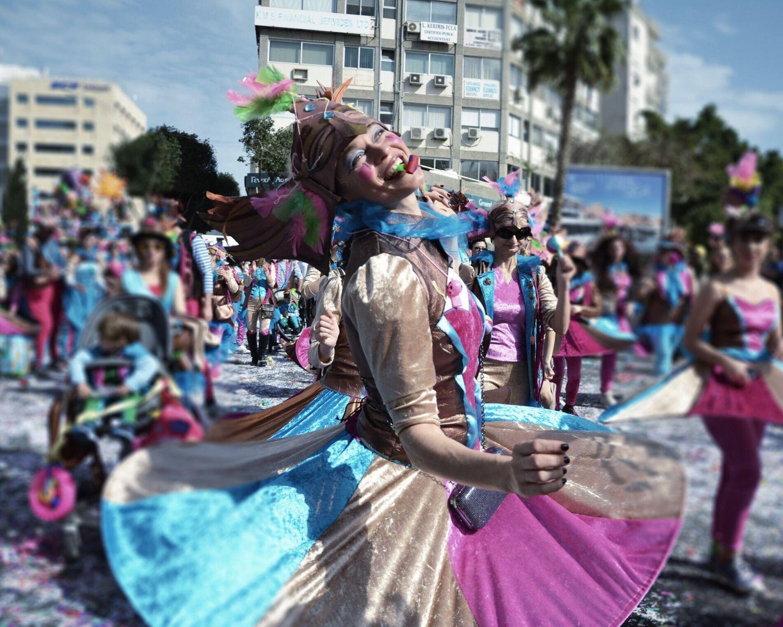 Hello World Positive Vibes Livethemoment Happy People Colors Postoftheday Peace ✌
