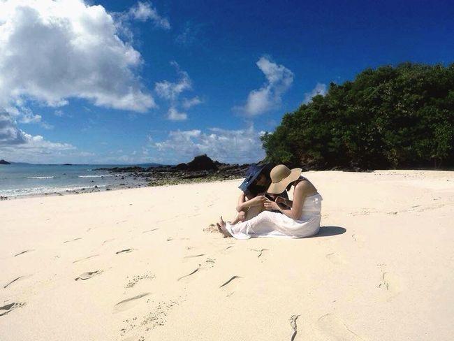 My Favorite Photo Best Friends Beach Life Nature Itsmorefuninthephilippines White Sand Calaguas