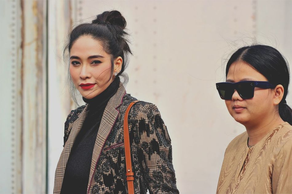 Women Around The World Lifestyles Young Women Two People Looking At Camera Sunglasses Fashion Candid EyeEm Best Shots Beautyisourduty The EyeEm Facebook Cover Challenge EyeEm Masterclass Mfw