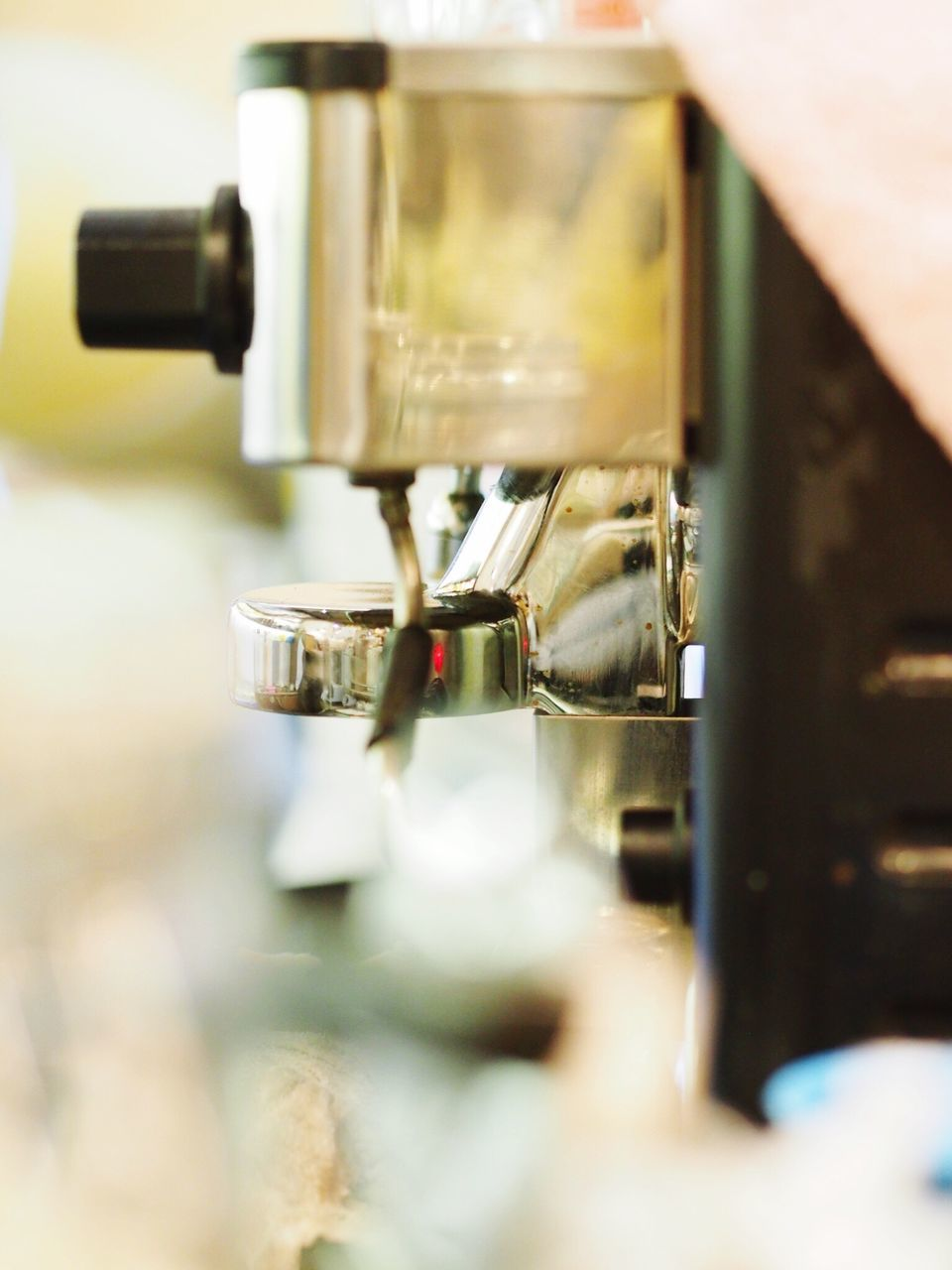 espresso maker, selective focus, metal, close-up, coffee - drink, no people, indoors, preparation, machinery, drink, day