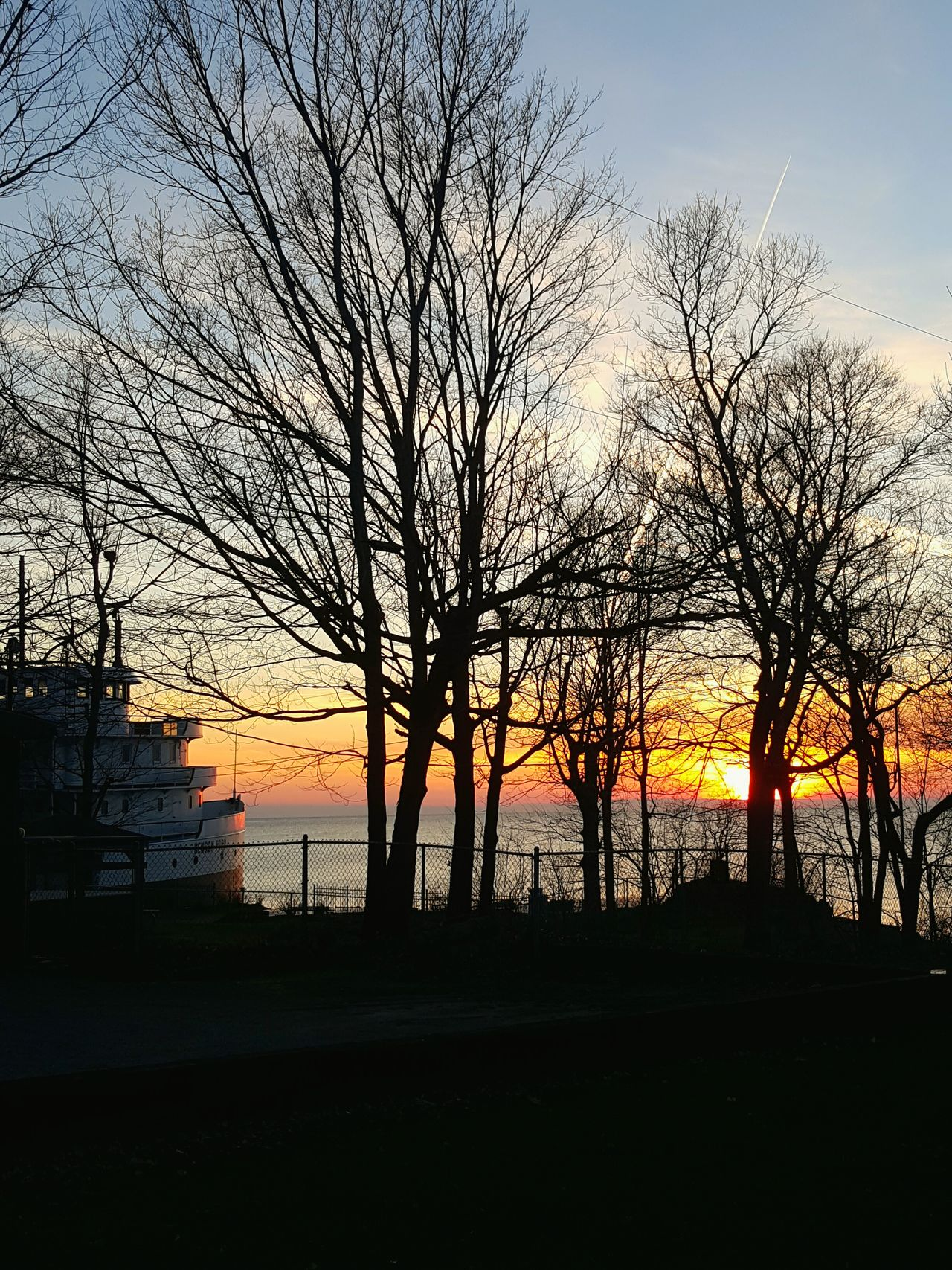 Relaxing Beautiful Sunset South Bass Island Put In Bay Benson Ford Ship Benson Ford Check This Out Ship House Boat House