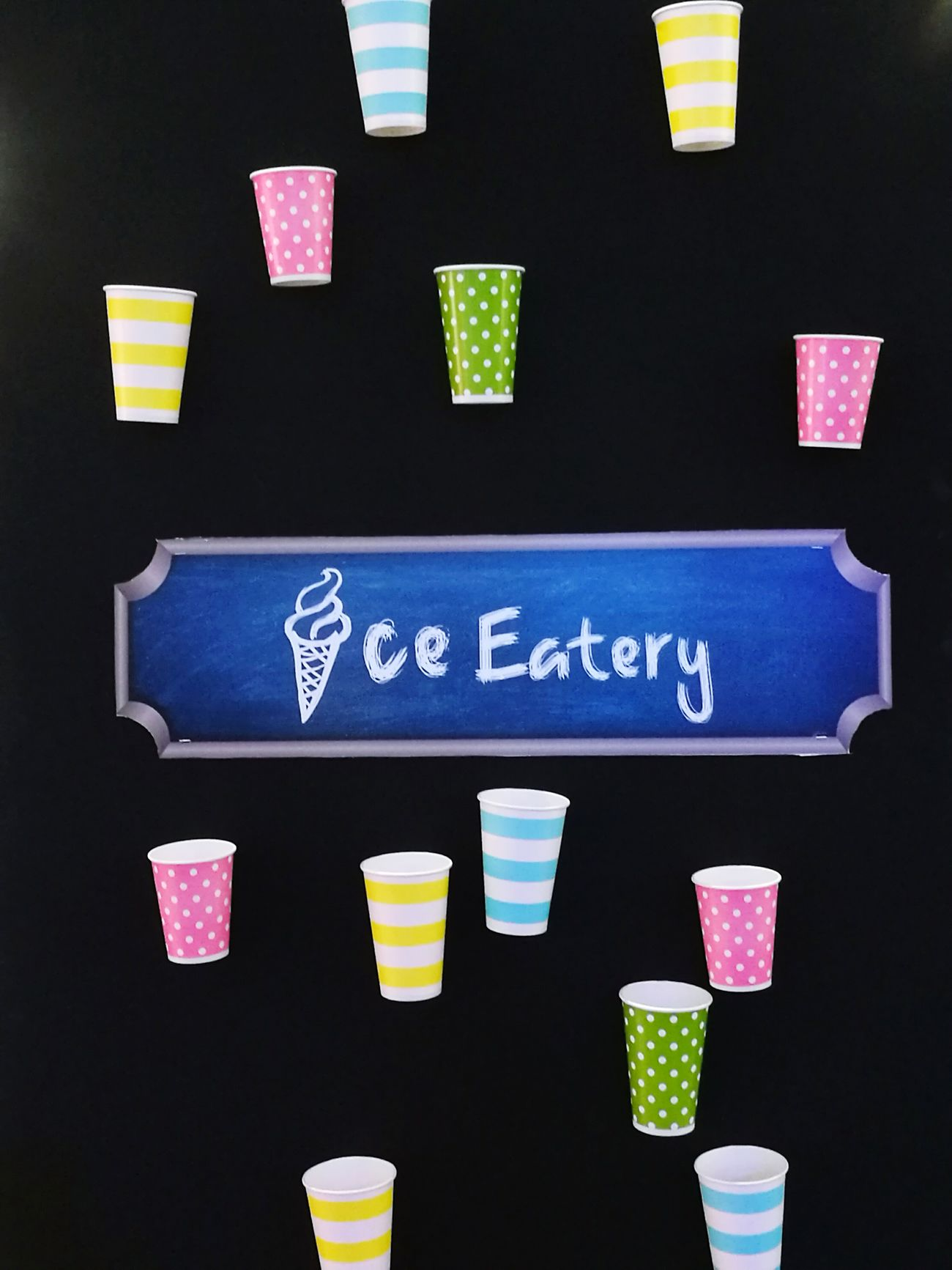 Ice Eatery Indoors  Photography City Life Lifestyles