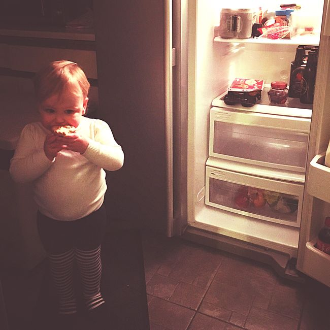 Things I Like Late Night Snack Toddler  EyeEm Gallery Toddlerlife Sweet Pie IPhoneography EyeEm Best Shots Iphonephotography Iphone6s Eating Sneeky