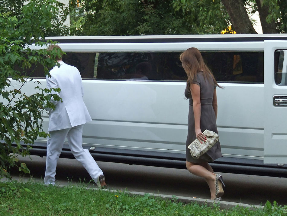 party people Casual Clothing Day Green Color Lifestyles Outdoors Stretchlimo Walking Wedding Day